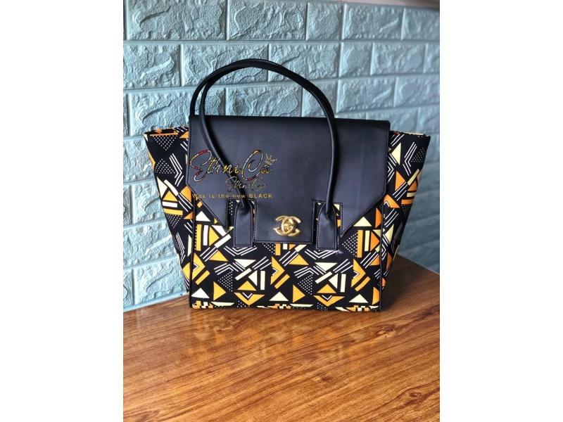 Kinky handbag